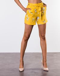 Kenya Shorts Lemon/Cloud Dancer