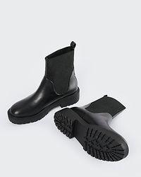 Elastic Shaft Chelsea Boots Black