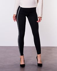 Tia Ankle Panel Legging Black/EMB