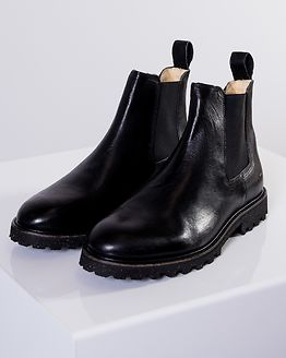 District Boot Black